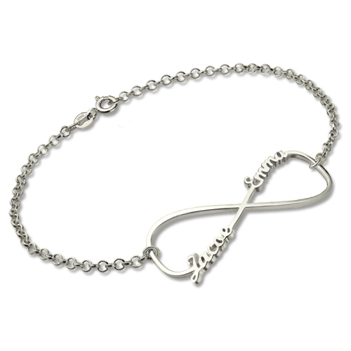 Peronalized Mom Knot Bracelet In Sterling Silver