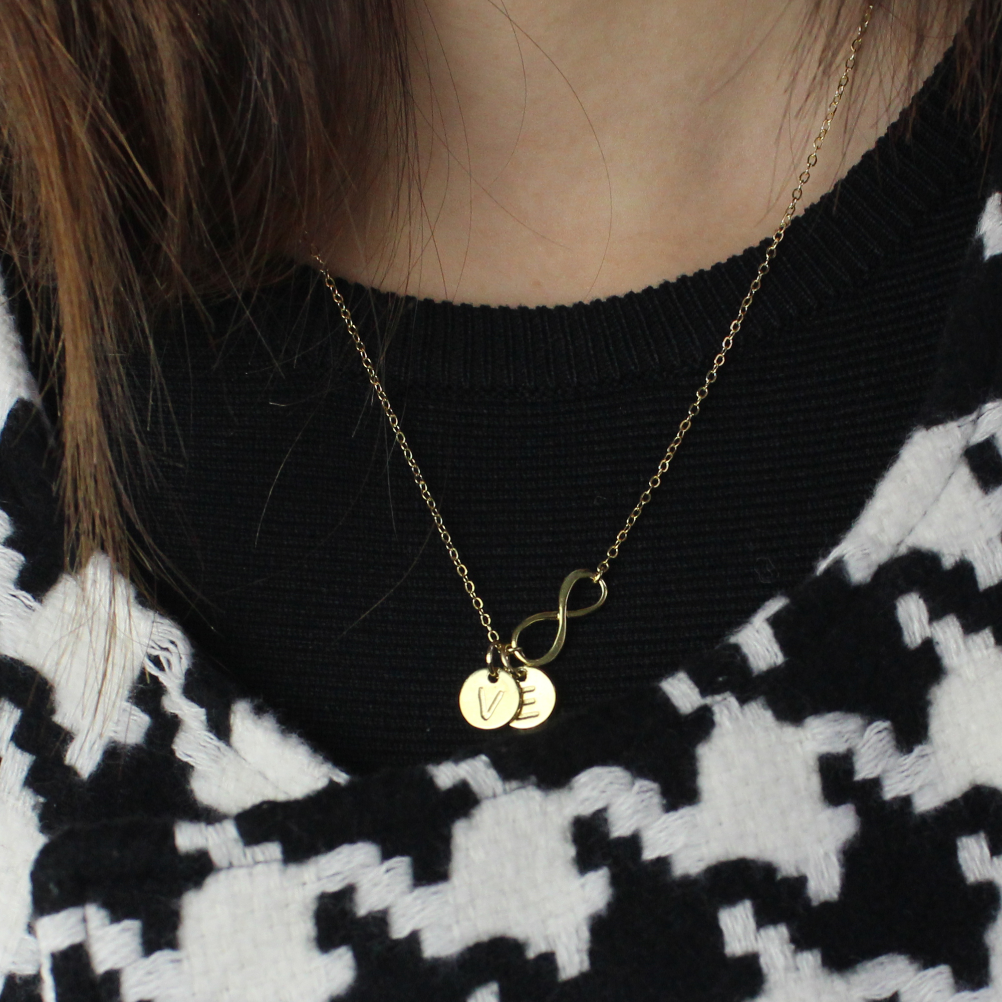 Disc Initial Charm 18k Gold Plated